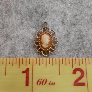 Vintage Antique Cameo pendant, gold